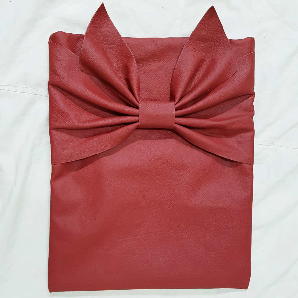 Leather Bow clutch in Red I.jpg