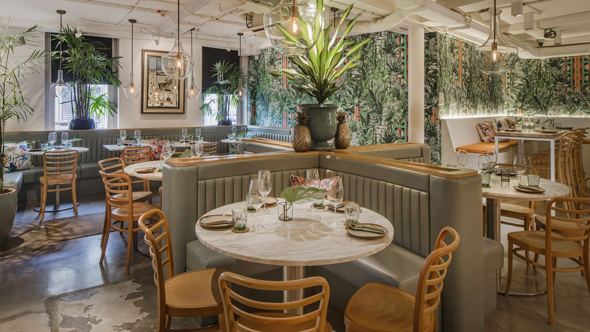 The Great Gatsby: 3 restaurants with best interior decor 7
