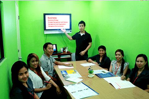 斯巴達商用英文課程 - CELC語言學校