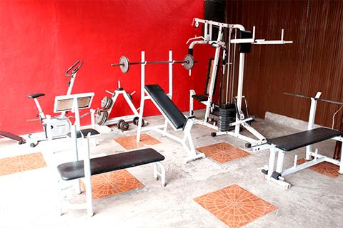 健身器材-CELC 語言學校