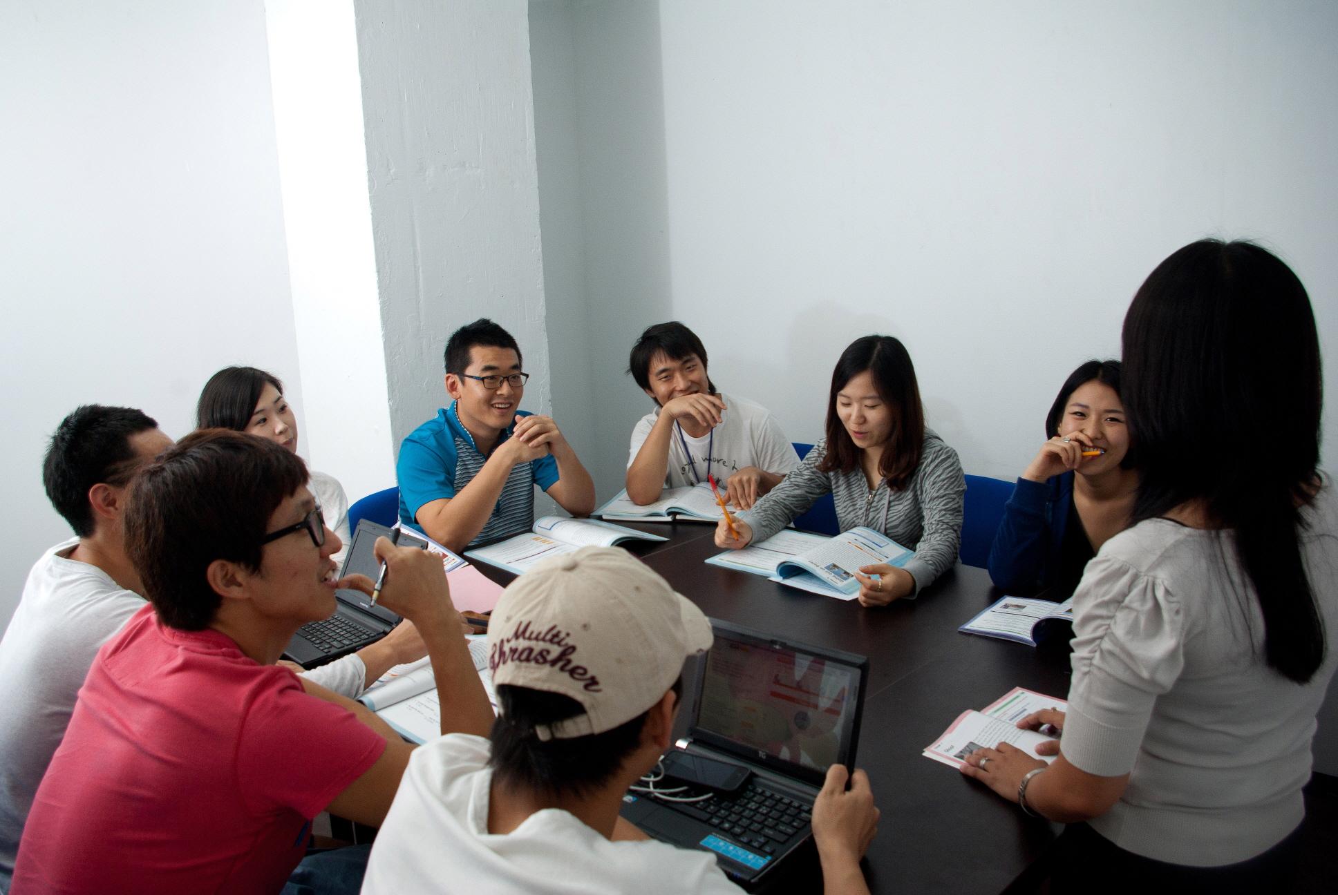 團體教室1- HELP學校Clark