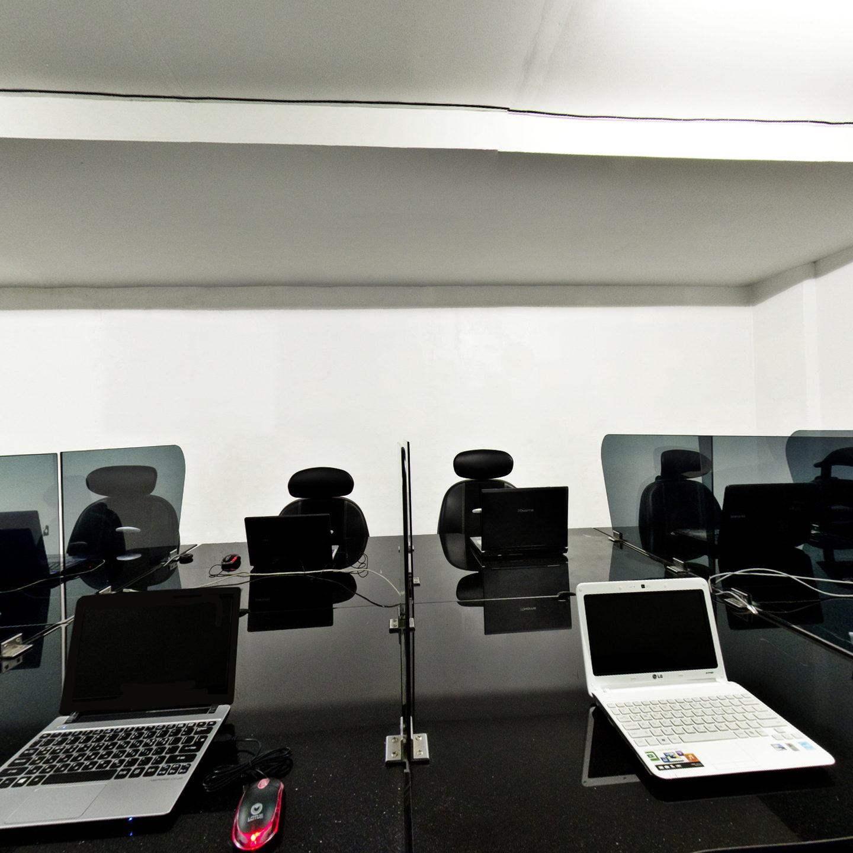 電腦教室- HELP學校Clark