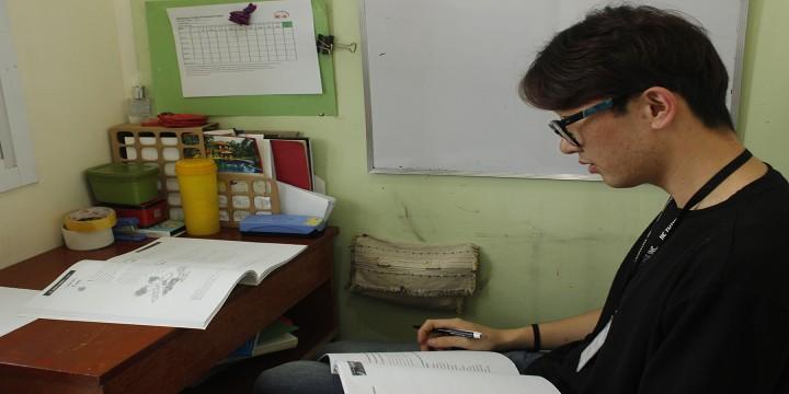 考完單字後,每天強制晚自習三個小時