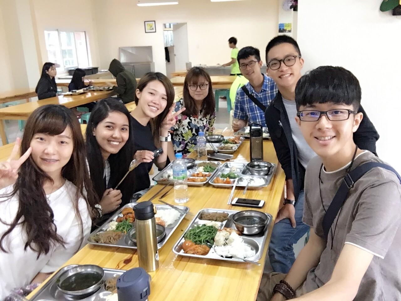 新生午餐時間 HELP語言學校