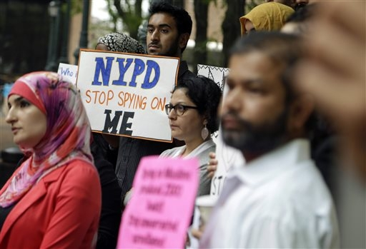 NYC defends use of Muslim police informants | SunOnline