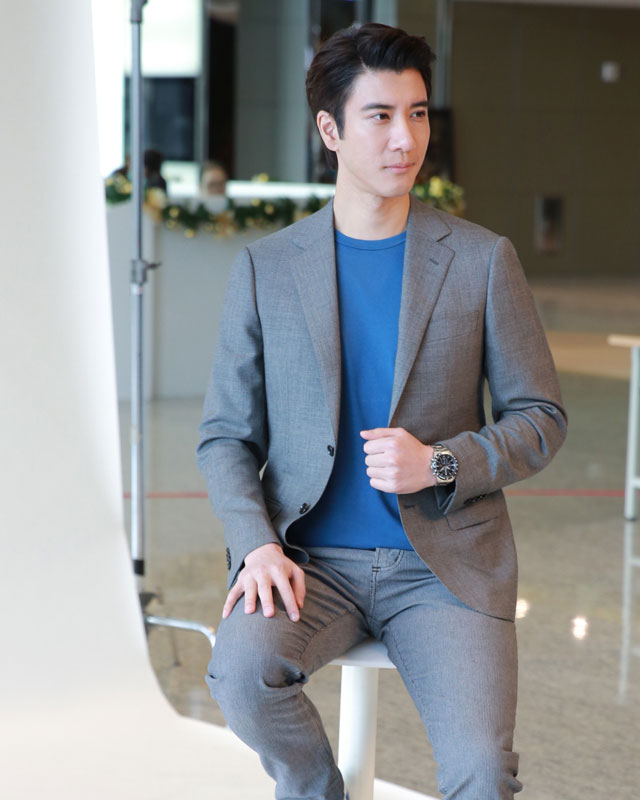 Wrist Update: Here's Wang Leehom with the new Seiko Criteria