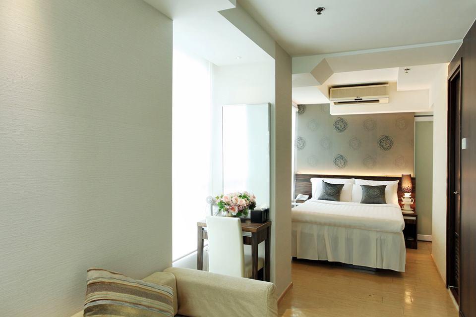 Modern Deluxe Suite