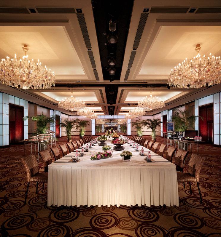 Crystal Ballroom - Boardroom Set-up