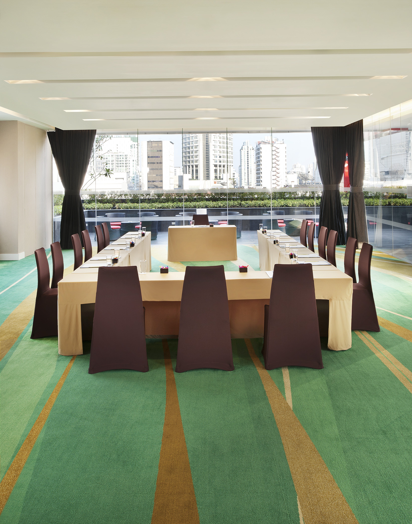 Breeze Meeting Room