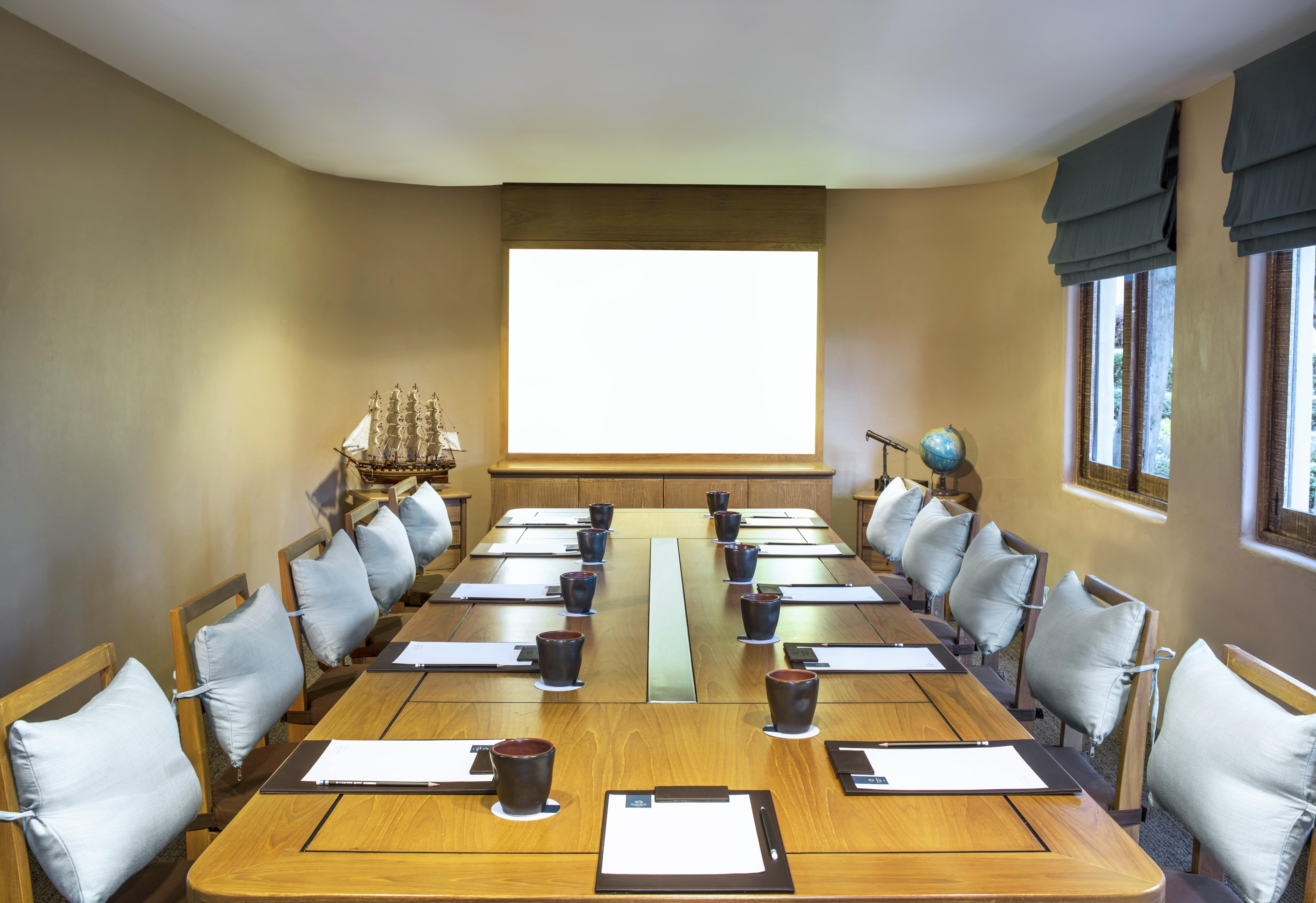 Meeting Room - Boardroom Set-up