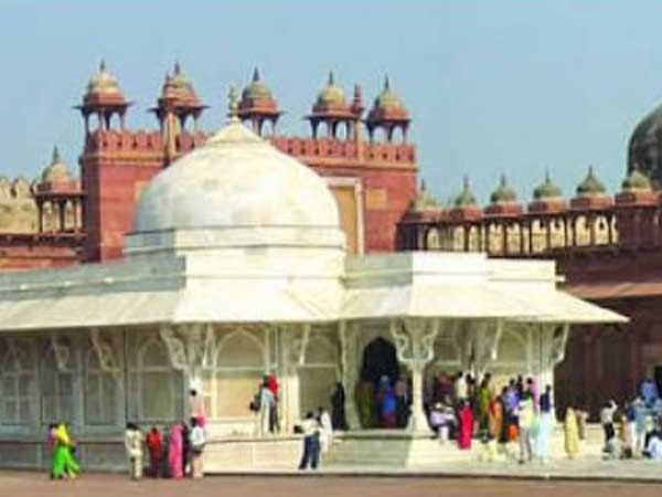 AKBAR'S DREAM CITY LIVES ON