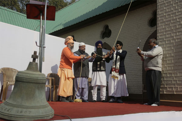 J&K autonomy: Modi accuses Congress of speaking Pak language