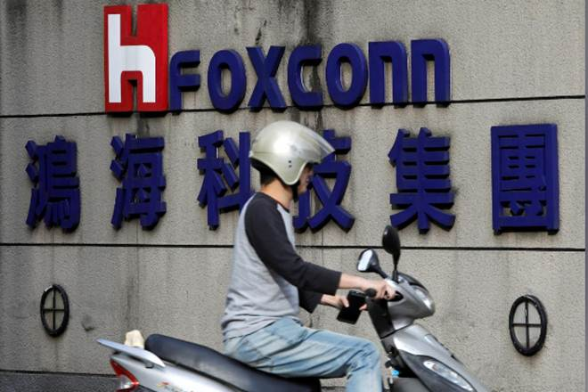 Foxconn to produce top-end Apple iPhones in India in 2019
