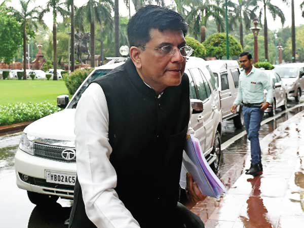 Goyal asks PSBs to step up lending to MSMEs, farmers