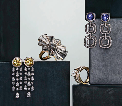 The Latest Fad in Jewellery Is Pieces That Transform Themselves