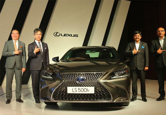 Lexus drives in hybrid sedan at Rs 1.77 crore