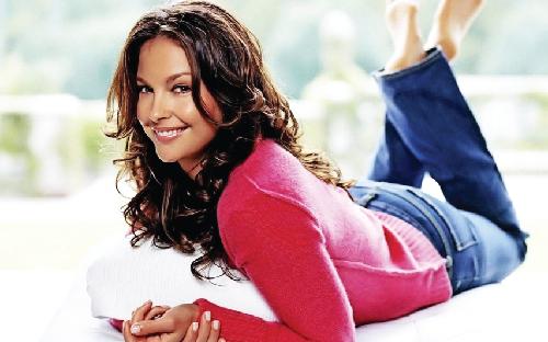 US judge dismisses Ashley Judd's sex harassment claim against Weinstein