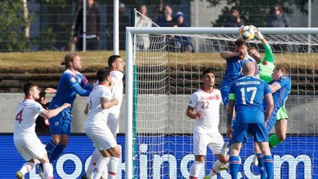 ไอซ์แลนด์ 2-1 ตุรกี
