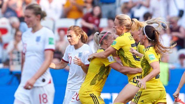 อังกฤษ 1-2 สวีเดน