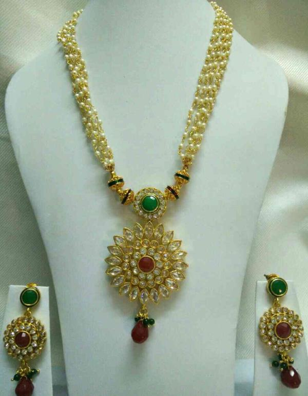 We are the Best Wholesaler in Chennai for Imitation Jewellery..Imitation Jewellery is been given to Customer in Wholesale Price.We deal with Wholesale Price only. - by Oviya Fashion Jewels, 9884444303, Chennai