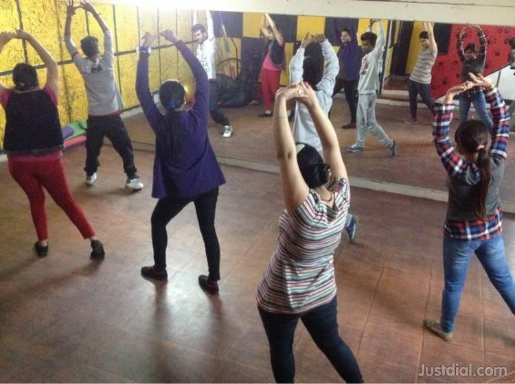 Flicking Feets is best institute for learning dance in Rohini. we provide you experience and renounce trainer for leaning dancing. If you want to learn dance please contact us as soon as possible.  dance institute in rohini sector-7 dance i - by FLICKING FEETS, New Delhi