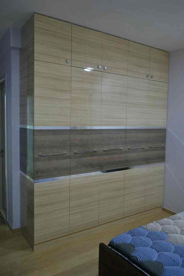 Lohgendra Interiors providing unique Laminate Finish Wardrobes in Tamil Nadhu and OMR.