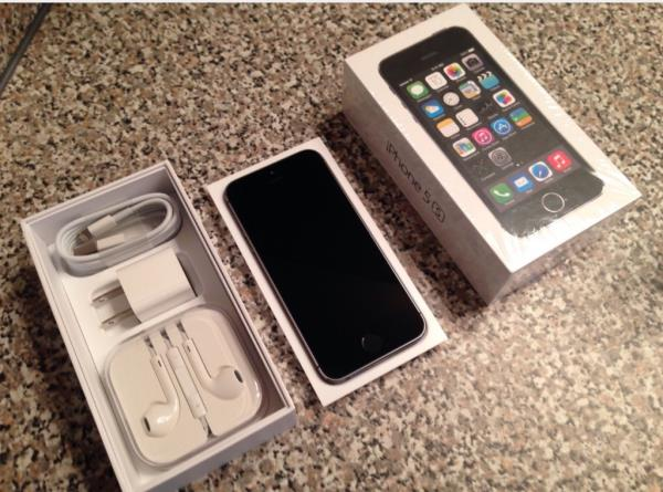 almost brand new iPhone 5s 16GB Factory Unlocked GSM Space Gray with warranty $275.00 call me (407)960-8856 - by Mike's Apple Pc And Sell Phone Store, Seminole County