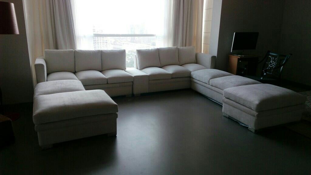 White Beauty!  Luxury project in Magnolias Gurgaon  #sofa #velvet #curtains #suedecurtains #velvetsofa #Gurgaon #noida #delhi #ncr #luxury  - by Interiors & Decor, Gurgaon