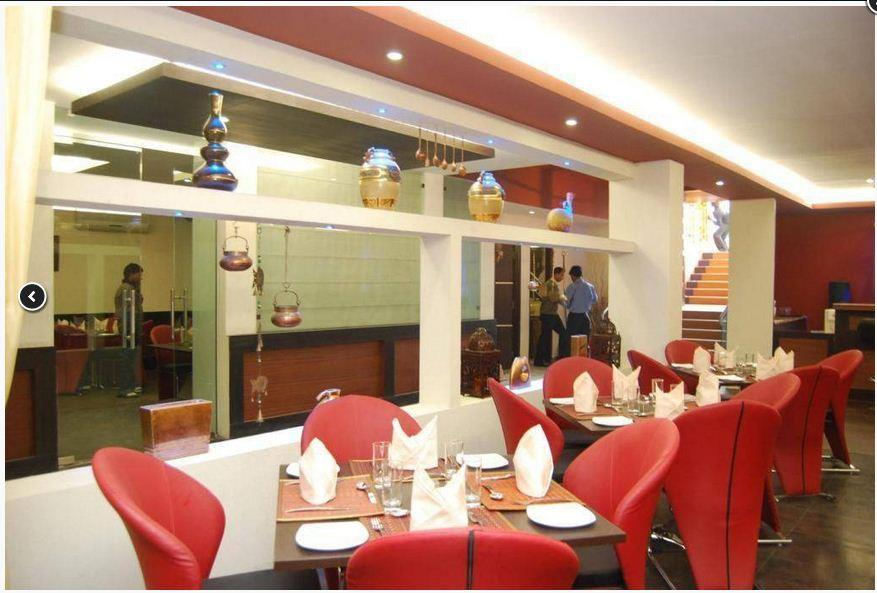Bawarchi delite in Sector-3, Vaishali is one of the best family restaurant & bar in Vaishali having nice ambience, wide range of food and friendly staff makes Bawarchi Delite a place worth visiting.  Best Party places in Vaishali Home deliv - by Bawarchi Delite | 91- 9927532225, Vaishali
