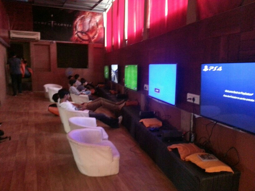PS4, PS3 Gaming Zone In Mangalore