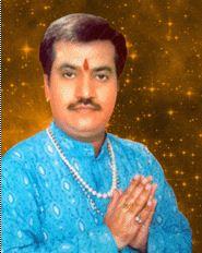 astrologer face reader