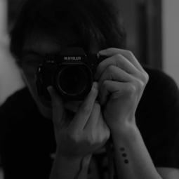 香港自由攝影師  將人的個性與情感融入作品