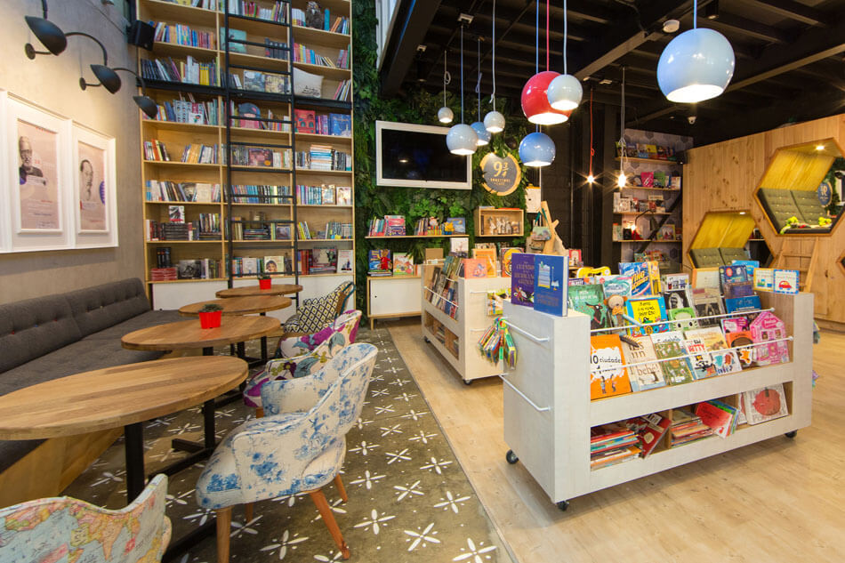 9-¾-Bookstore-and-Café-by-Plasma-Nodo-1