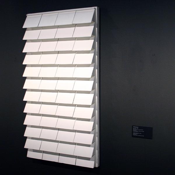 Jan-Schoonhoven-Relief-R85-3-122x66cm-Papier-mache-en-muurverf-op-karton