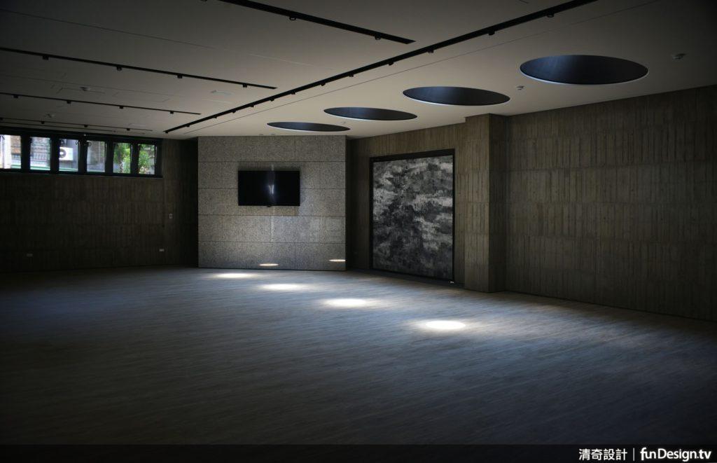 在「孵空間」中,感受設計的劇場型態。