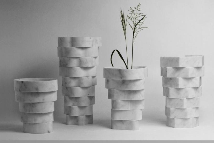 拉堤設計的大理石花瓶「Little Gerla」,由同心狀切割的大理石組成。Photo credit: Moreno Ratti