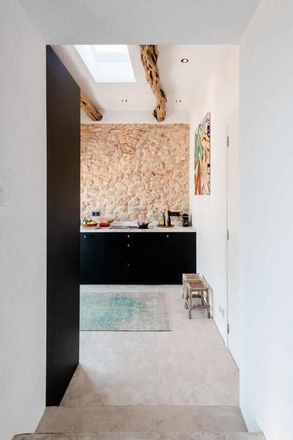 IBIZA-CAMPO-LOFT-Standard-Studio-Ibiza-Interiors-4-600x901