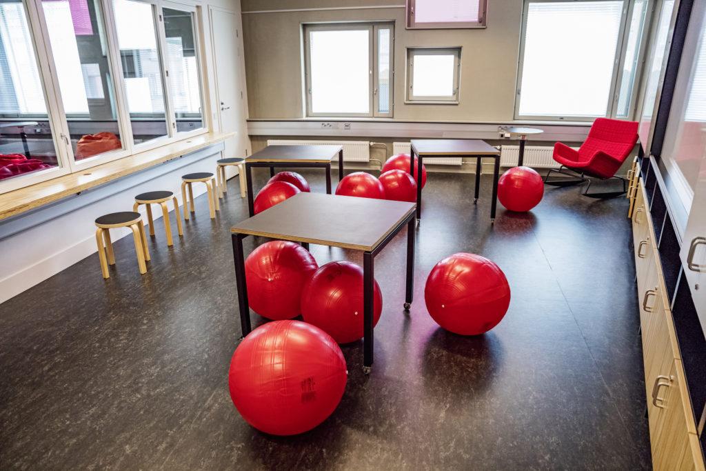 Koulutilojen valokuvaus Kalasataman peruskoulussa