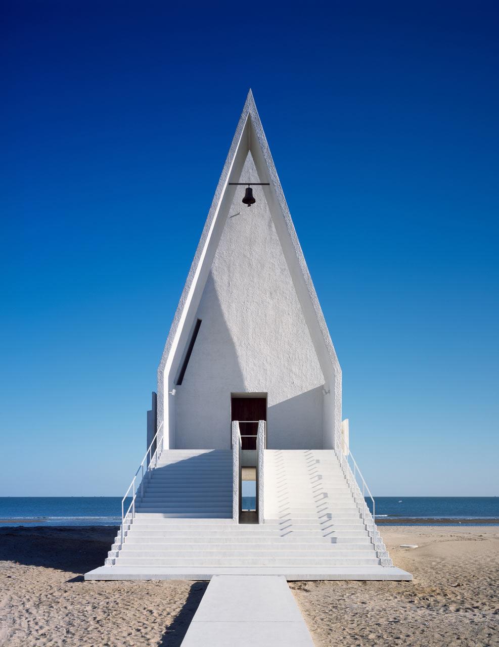 roundup-religious-9-seashore-chapel-vectorarchitects