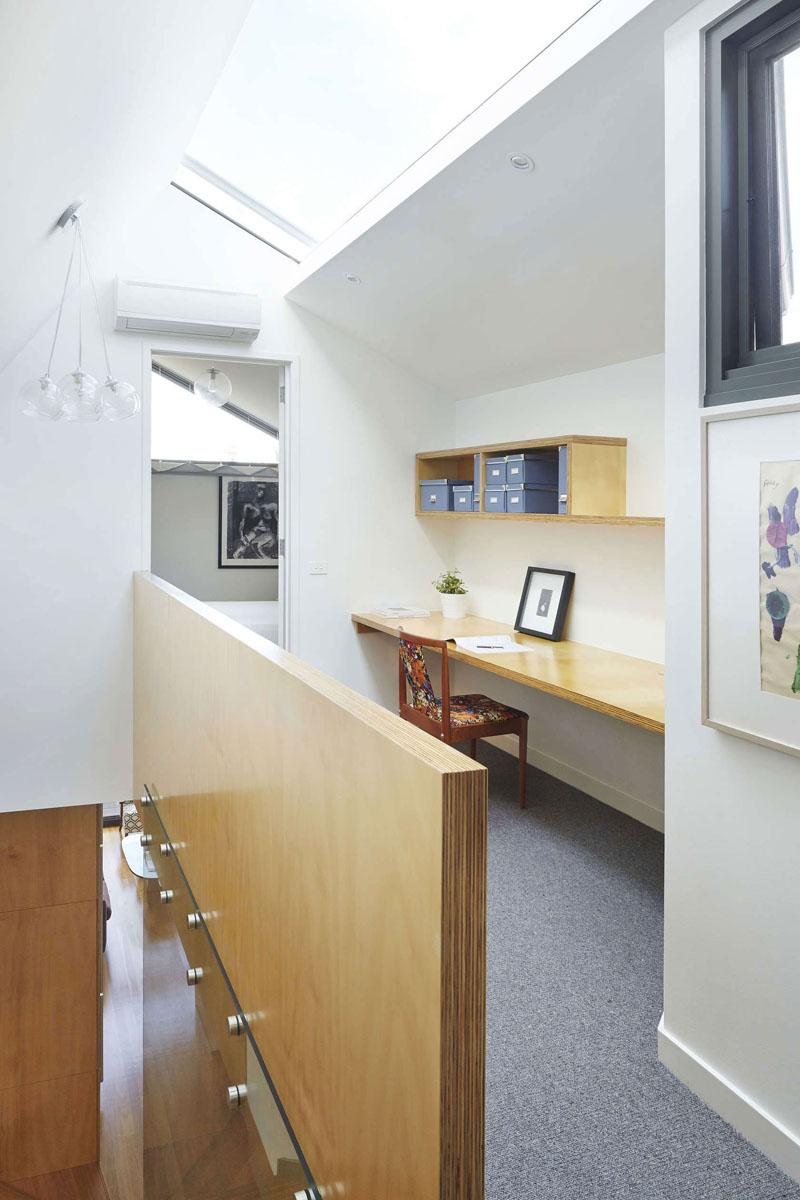 hallway-desks_011016_01a