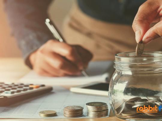 ออมเงิน หรือ ทำประกันสุขภาพ เลือกแบบไหนคุ้มกว่ากัน?