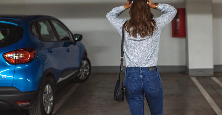 ฝันว่ารถหาย ดวงว่าอาจกลายเป็นดี แต่ถ้ารถหายจริงต้องทำยังไง?