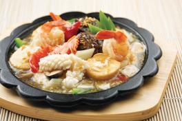 Seafood Beancurd In Sizzling Hotplate铁板海鲜豆腐