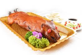 A07 鸿运乳猪全体 Barbecued Suckling Pig (Whole)