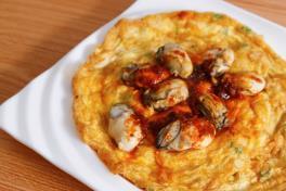Fried Oyster Omelette 鲜蚝煎蛋