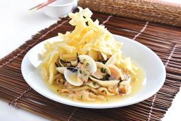 脆香鸳鸯'拉拉 王'河粉 Deep Fried Flat Rice Noodle with 'La La King'