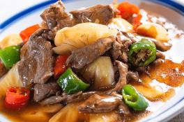 牛肉撞菠萝 N.Z. Beef with Pineapple