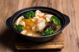 PR3 Braised Seafood Treasure Pot  一品锅 (龍)