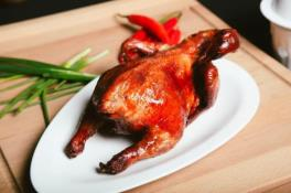 RD02B Traditional Roast Chicken 烧鸡 (Half  半只)