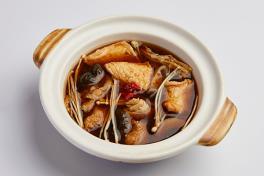 Claypot Soup of the Day 砂煲每日时汤.